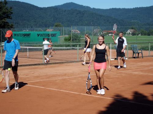 8986-Zeltlager Tennisplatz Biberach-Jugend-18.08.2012
