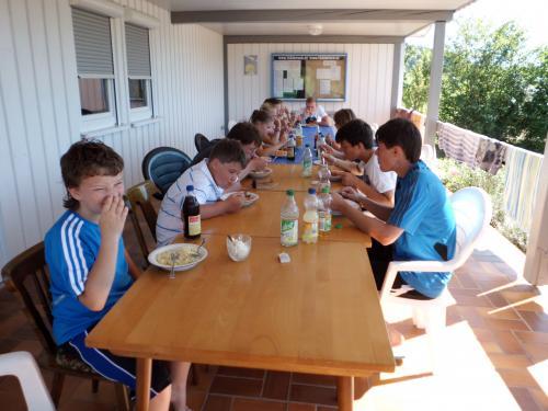 8995-Zeltlager Tennisplatz Biberach-Jugend-18.08.2012